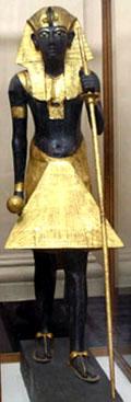 Beeld van Tutankhamun als wachter van de Onderwereld.