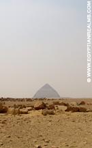 In de omgeving van de piramide van Dahshur.