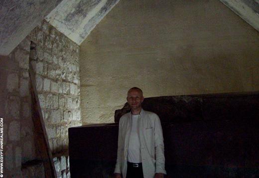 In een Tombe bij Saqqara.