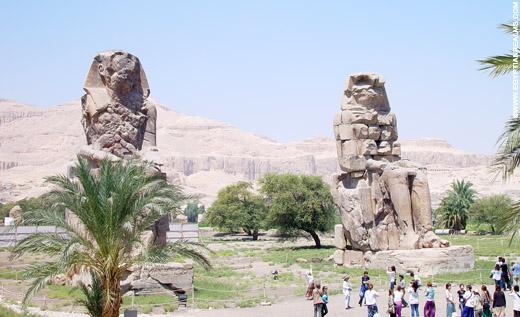 Beelden van Memnon.