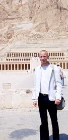 Voor de Tempel van Hatjepsut.