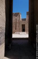 Portaal van de tempel van Philae.