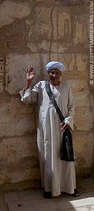 Egyptenaar in de Habu Tempel.