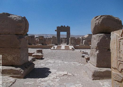 Restanten van een oud-Egyptische tempel.