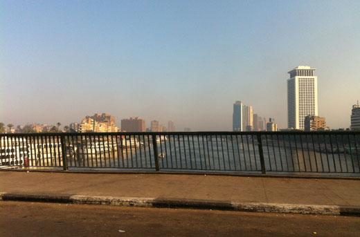 Brug over de Nijl in Cairo.