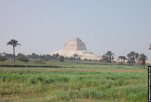 Piramide van Meidum, Egypte.