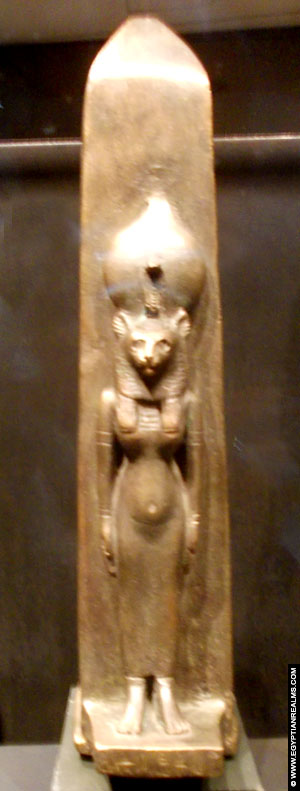 Statue of Bastet at the RMO.