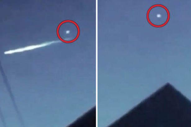 Meteor in the sky near piramid Khufu
