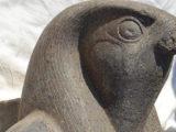 Groot standbeeld van Horus onthuld