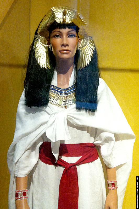 Reconstructie van kledij uit het oude Egypte. RMO Leiden.