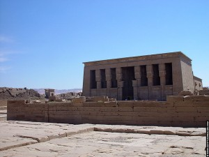 Zicht op de Dendera tempel