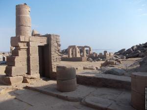 Restanten bij de Kalabsha Tempel