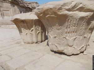 Fragmenten van pilaren van de tempel