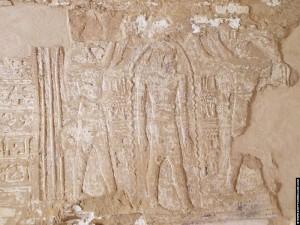 Relief van Thot en Ra in het heiligdom