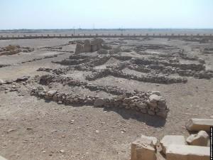 Restanten op het terrein van El-Kab