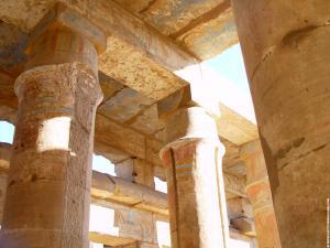 Oorspronkelijke kleuren in de Karnak Tempel