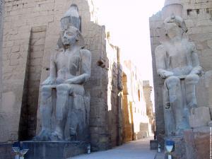 Poort in de Luxor Tempel