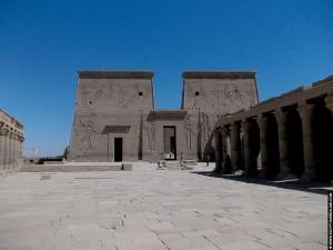 Plein voor de tempel van Philae