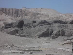 Magazijnen naast het Ramesseum
