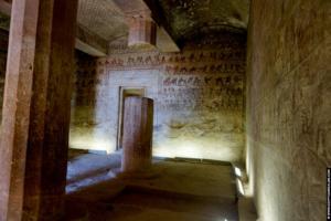 Amenemhat tomb Beni Hassan 07